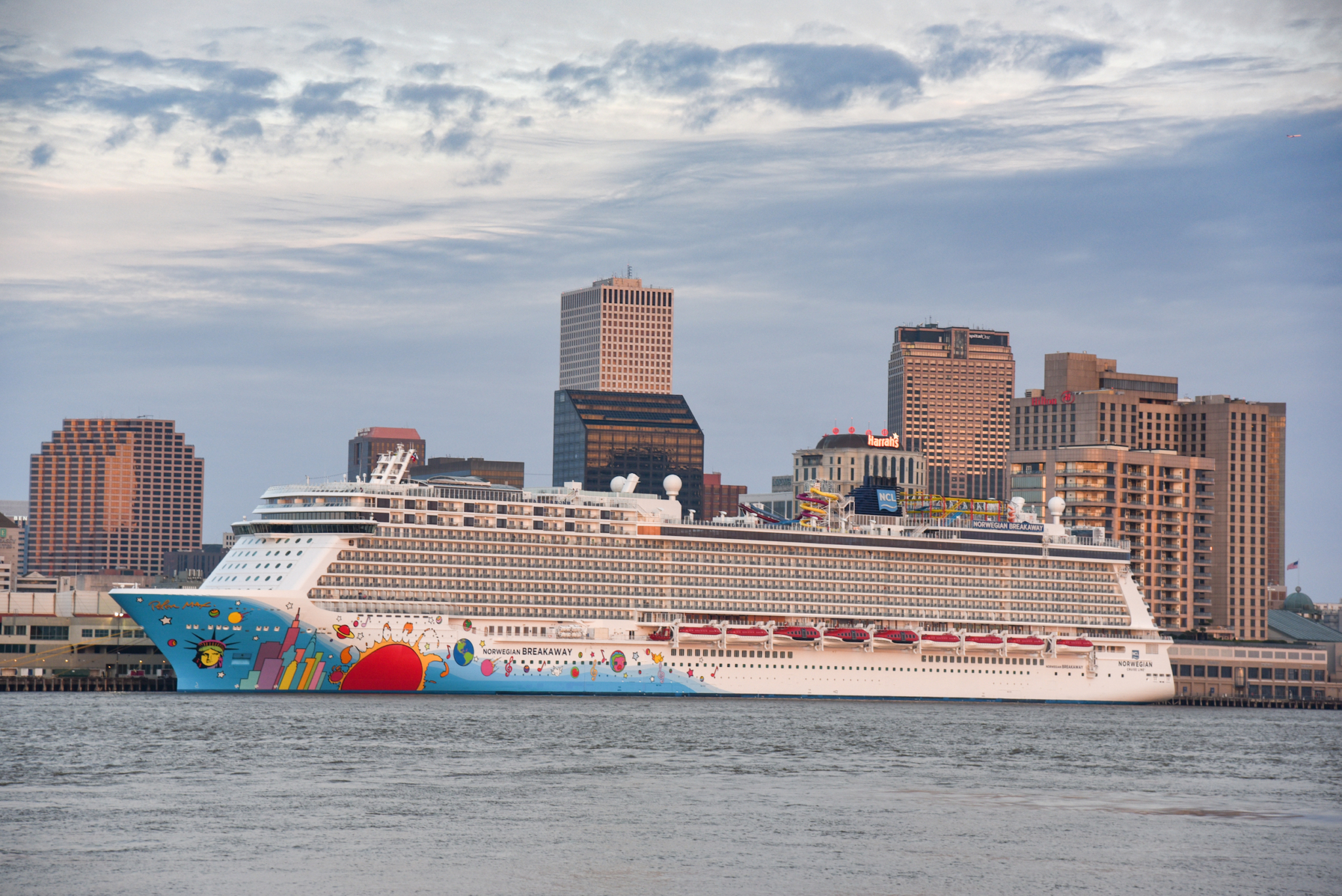 Norwegian Breakaway at Julia Street